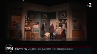 Répétition d'un spectacle au Théâtre des Bouffes Parisiens le premier soir du couvre-feu. (France 2)