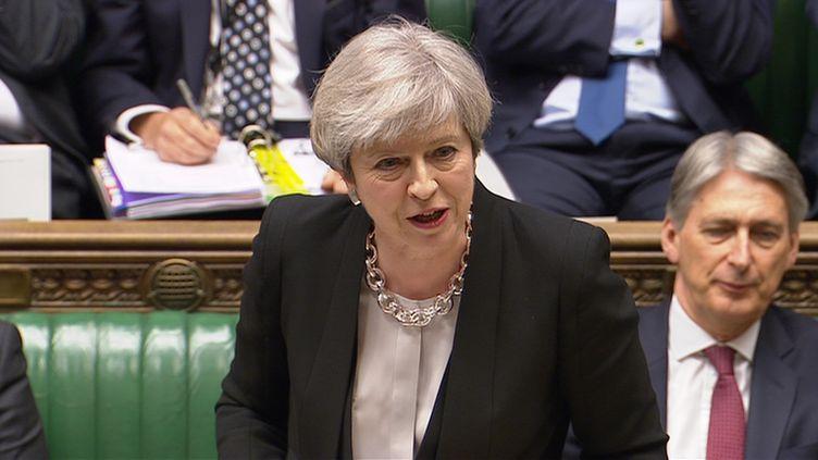 La Première ministre britannique Theresa May devant la Chambre des communes du Parlement britannique, le 19 avril 2017 à Londres (Royaume-Uni). (REUTERS)