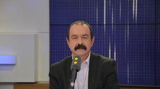 Philippe Martinez, secrétaire général de la CGT, invité de franceinfo le lundi 8 janvier. (JEAN-CHRISTOPHE BOURDILLAT / RADIO FRANCE)