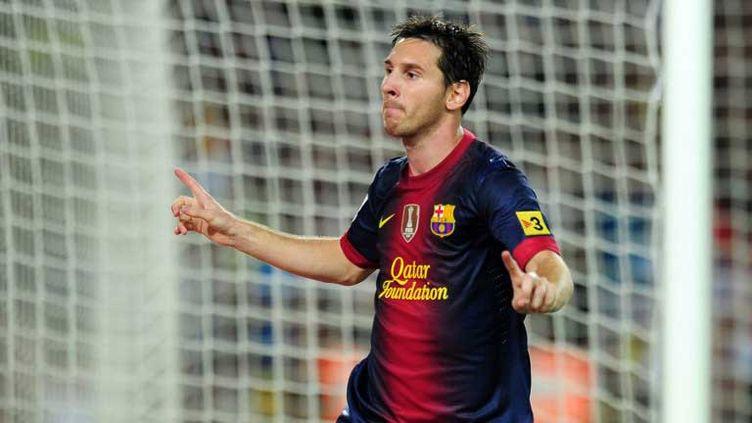 Lionel Messi (Barcelone) devance Douglas Costa (Donetsk)