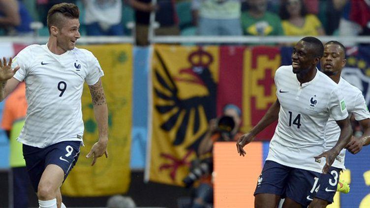 Olivier Giroud et Blaise Matuidi ont marqué à 66 secondes d'intervalle contre la Suisse. (FRANCK FIFE / AFP)
