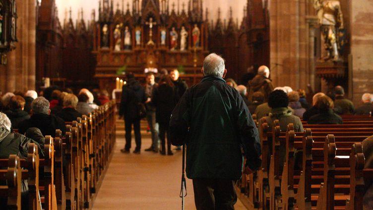 Une messe dans une église en Alsace. (Illustration). (VINCENT VOEGTLIN / MAXPPP MAXPPP)