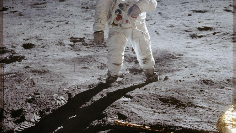 """L'astronaute américain Edwin """"Buzz"""" Aldrin, sur la Lune, le 20 juillet 1969. (JOHNSON SPACE CENTER / NASA)"""