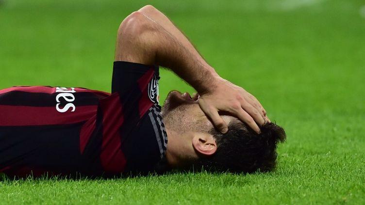 Le milieu de terrain de l'AC Milan, Giacomo Bonaventura, n'a pas caché sa terrible déception... (GIUSEPPE CACACE / AFP)