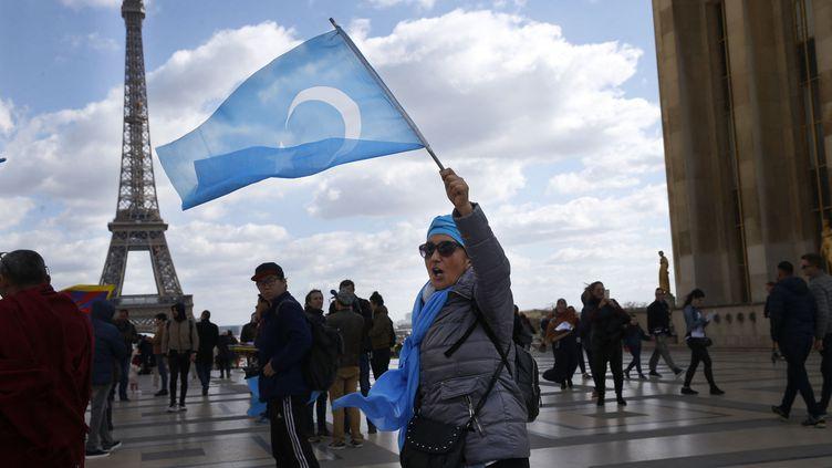 L'association des Ouïghours de Francea manifesté au Trocadéro, à Paris, le 25 mars 2019. (- / AFP)