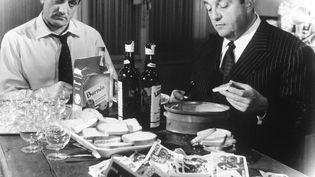 """La scène culte du film de Georges Lautner,""""Les Tontons flingueurs"""", avec Lino Ventura (à gauche)et BernardBlier. ( SIPA)"""
