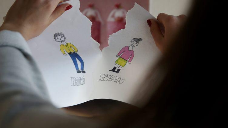 Dessin d'enfant (illustration). La résidence alternée pour les enfants de moins de 3 ans est totalement déconseillée selon de nombreux spécialistes. (MAXPPP)