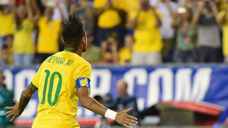 La joie de Neymar auteur d'un nouveau doublé sous les couleurs brésiliennes (BILLIE WEISS / GETTY IMAGES NORTH AMERICA)