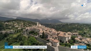 Avec le déconfinement, certains villages se retrouvent sans touristes. (France 3)