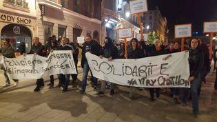 600 à 800 policiers manifestent, jeudi 20 octobre, place Bellecour à Lyon. (MÉLODIE VIALLET / RADIO FRANCE)
