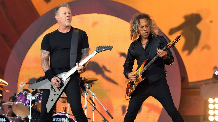 Kirk Hammett (à droite) et James Hetfield du groupe Metallica sur scène à Central Park à New york lors du Global Citizen Festival 2016, 24, septembre 2016  (ANGELA WEISS / AFP)