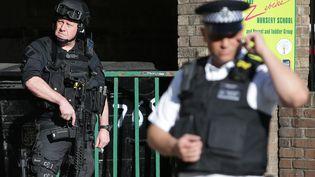 Un soldat britannique venu en soutien de la police suite à l'attentat du métro de Parsons Green, à Londres, le 15 septembre 2017. (DANIEL LEAL-OLIVAS / AFP)