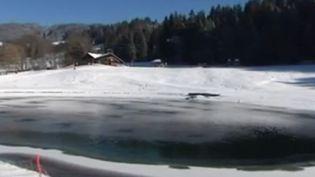 La neige manque dans les stations de ski françaises et en raison de la sécheresse, l'utilisation de l'eau pour les canons à neige risque d'être restreinte. (FRANCE 3)