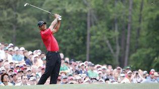 Tiger Woods sur le 12e trou durant la partie finale au tournoi d'Augusta en Géorgie aux USA, le 12 avril 2015 (MAXPPP)