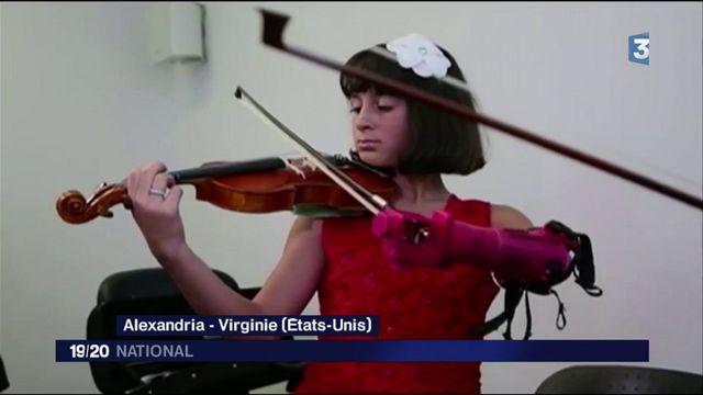 Une fillette apprend le violon grâce à une prothèse d'avant-bras imprimée en 3D
