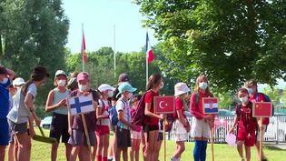 En Alsace, une flemme olympique d'un autre genre s'est allumée.Une centaine d'élèves participent à des Jeux olympiques organisés pour eux. (CAPTURE ECRAN FRANCE 3)