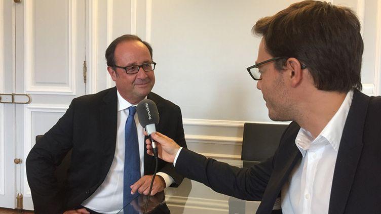 François Hollande interviewé par Yaël Goosz (Arthur Gerbault/Radio France)
