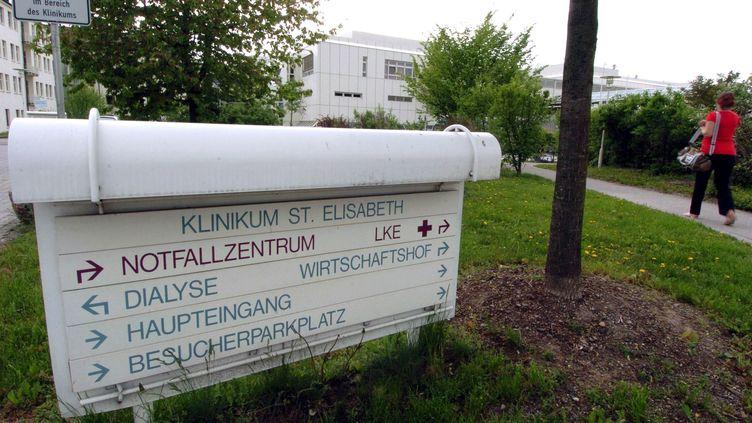 L'entrée de l'hôpital St. Elisabeth, à Straubing (Allemagne). (A3528 ARMIN WEIGEL / DPA / MAXPPP)