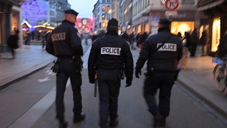 Des policiers patrouillent à Strasbourg (Bas-Rhin), le 20 décembre 2016. (AFP)