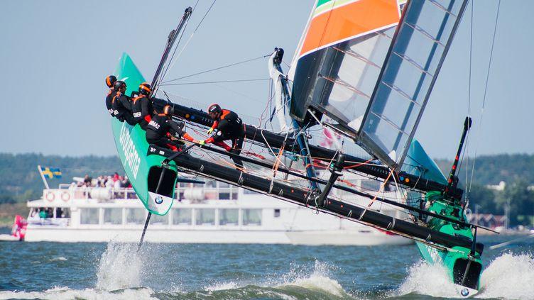 Le catamaran Groupama à l'entraînement