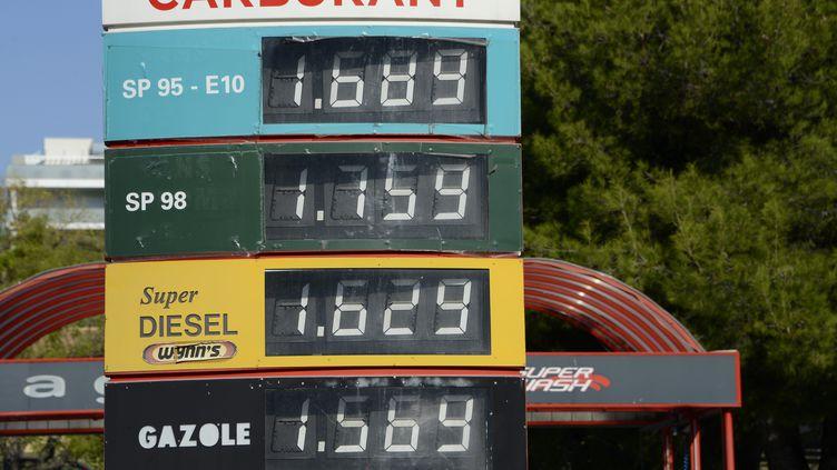 Marseille, 13 octobre 2021.La hausse du prix des carburants en station service. (Illustration) (FRANCK PENNANT / MAXPPP)