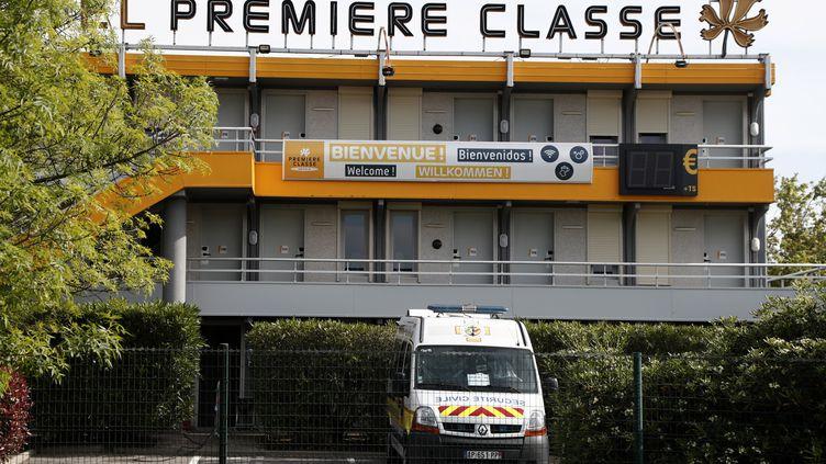 Un hôtel à Perpignan (Pyrénées-Orientales) accueillant des malades du coronavirus, le 15 avril 2020. (GUILLAUME HORCAJUELO / EPA)
