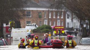 Au total, près de 500 militaires sont mobilisés dans le nord de l'Angleterre,aux côtés des autorités locales et des volontaires de la Croix Rouge. (JUSTIN TALLIS / AFP)