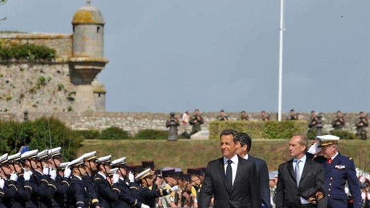 Nicolas Sarkozy à Port-Louis pour les commémoration du 8 mai 1945 (8 mai 2011) (AFP/FRED TANNEAU)