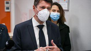 Christian Estrosiprésente son plan de vaccination pour la premiere campagne de déploiementdu vaccincontre le Covid-19à Nice, le 7 janvier 2021. (ARIE BOTBOL / HANS LUCAS / AFP)