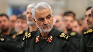 Le général Qasem Soleimani, le 18 septembre 2016 lors de la rencontre entre Ali Khamenei et les gardes révolutionnaires, à Téhéran, en Iran. (IRANIAN SUPREME LEADER PR / ANADOLU AGENCY / AFP)