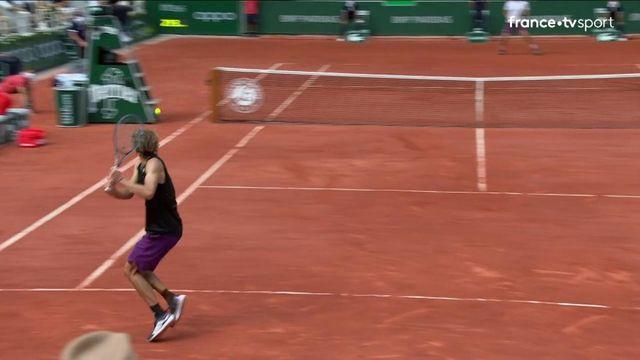 1/2 finale : Zverev nettoie la ligne d'un revers somptueux