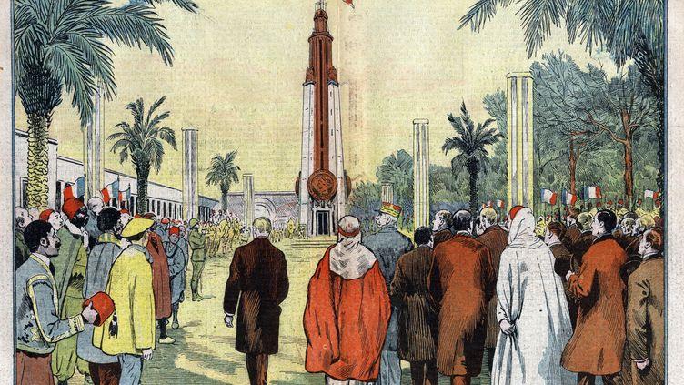 """Pour la dernière fois le 15 novembre 1931, le drapeau tricolore, qui du haut de la tour de Bronze flottait au-dessus de l'Exposition coloniale, a été amené en présence du Maréchal Lyautey (illustration de Damblansdans """"LePèlerin""""). (Bianchetti/Leemage / AFP)"""