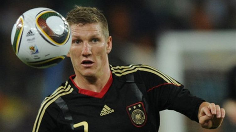 Le milieu de l'Allemagne Bastian Schweinsteiger