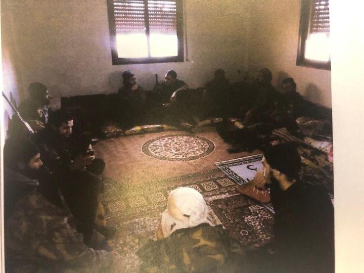 Cettephoto versée au dossier montre un groupe de combattants près d'Alep (Syrie) en décembre 2013. (DR)