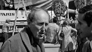 """Bourvil sur le tournage du """"Cerveau"""" de Gérard Oury en juillet 1968, interviewé par le journaliste Alain Gerbi.  (Culturebox - capture d'écran)"""