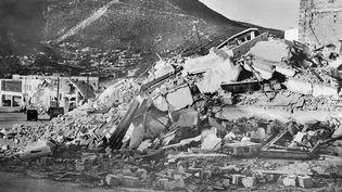 Des immeubles détruits à Agadir lors du séisme du 29 février 1960. Photo prise le 2 mars 1960. (AFP)