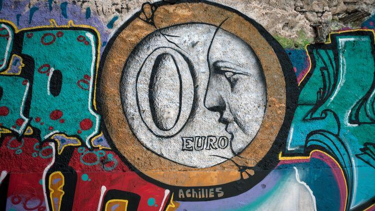 """Un graffiti """"zéro euro"""" à Athènes, en Grèce, le 30 juin 2015. (SOCRATES BALTAGIANNIS / DPA / AFP)"""