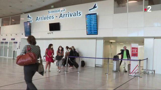 Coronavirus : toujours pas de tests obligatoires dans les aéroports