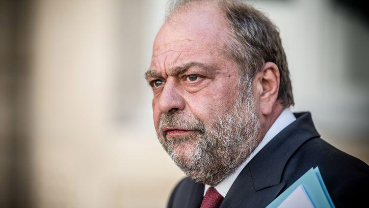 Le ministre de la Justice, Eric Dupont-Moretti, lors d'une rencontre avec l'ancien garde des Sceaux Dominique Perben, le 26 août 2020. (ARTHUR NICHOLAS ORCHARD / AFP)