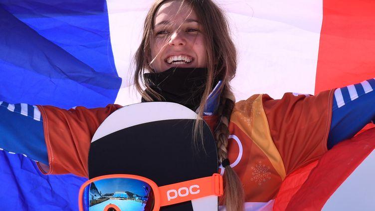 La Française  Julia Pereira De Sousa Mabileau en argent en snowboard crosse (MARTIN BUREAU / AFP)