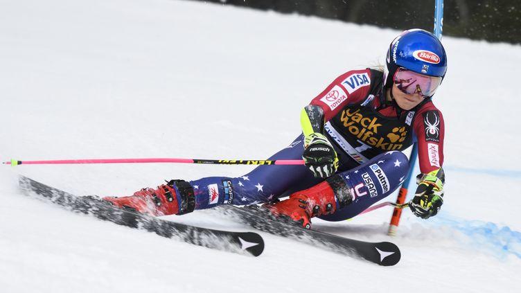 La star américaine du ski alpin, Mikaela Shiffrin, ici à Kranjska Gora. (JURE MAKOVEC / AFP)