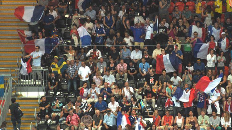 Chaude ambiance pour la finale olympique entre la France et la Suède