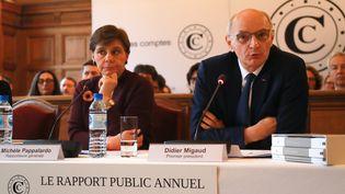 Le président de la Cour des comptes Didier Migaud et Michèle Pappalardo, rapporteure générale du rapport public, le 6 février 2019. (JACQUES DEMARTHON / AFP)