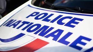 Une voiture de la police nationale, devant la préfecture de Gironde, à Bordeaux, le 11 décembre 2020. (ST?PHANE DUPRAT / HANS LUCAS / AFP)