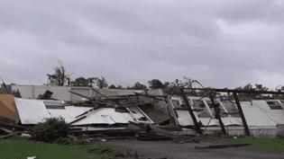 De violentes intempéries, parfois accompagnées de tornades, ont touché les États-Unis. Quatorze morts sont a déploré dans le sud et le centre du pays. (France 3)