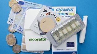 Les traitements antitabac vont progressivement être remboursés comme n'importe quel médicament, annonce le gouvernement, le 26 mars 2018. (B BOISSONNET / BSIP)