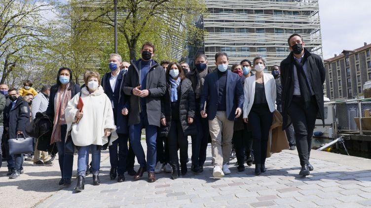 Le 17 avril,plusieurs formations politiques de gauche se sont réunies pour se parler avant la présidentielle. (THOMAS SAMSON / AFP)