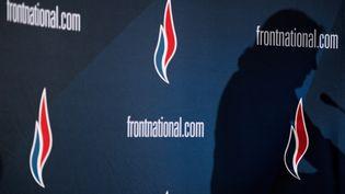 Des logos du Front national lors d'un discours de Marine Le Pen à Lyon (Rhône), le 29 novembre 2014. (JEFF PACHOUD / AFP)
