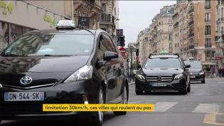 Des taxis à Paris. (franceinfo)