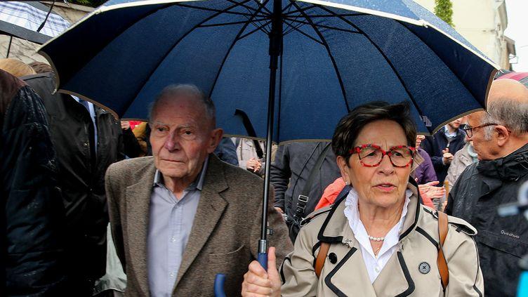 Les parents de Vincent Lambert près duCHU de Reims où est hospitalisé leur fils, le 19 mai 2019. (FRANCOIS NASCIMBENI / AFP)